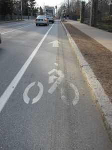 Beacon Street bike lane with gravel
